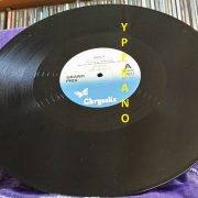 "GRAND PRIX: Shout 12"". Top NWOBHM. Robin McAuley on vocals. +2 live (Reading Festival, 1982). Check video. Recommended"