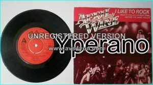 "APRIL WINE: I Like to Rock + 3 songs of classic Hard rock 7"" Check video."